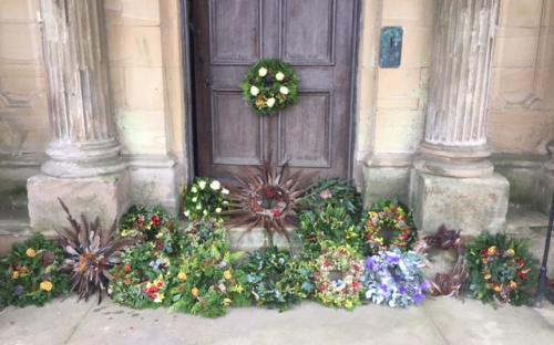 Lots of fabulous wreaths