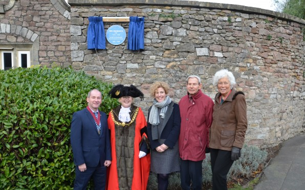 The Bristol Lord Mayor unveils the plaque for Iris Murdoch, joined by Mr and Mrs Gould.