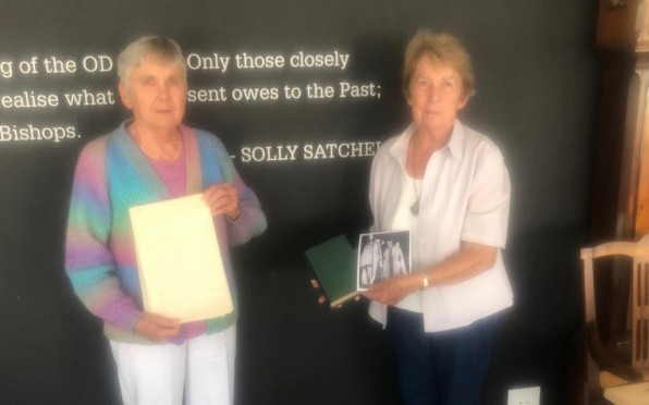 Jean Luger and Heather Sargeant the granddaughters of Dr Solly Satchel