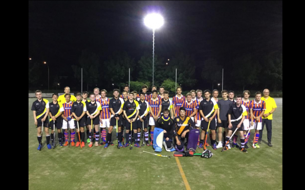 Vesey pictured with the opposition after their 3-1 victory over Ypenburg HC