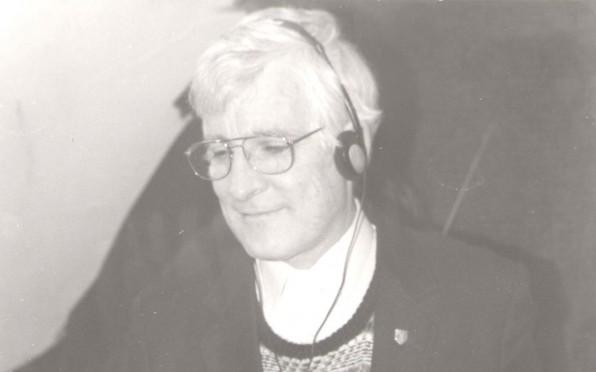 Fr Cormac O'Brolcháin listens to BCR