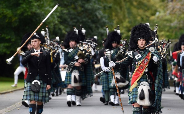 Piping Tribute from Grahame Harris