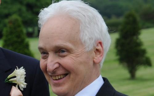Dr Alan McMillan