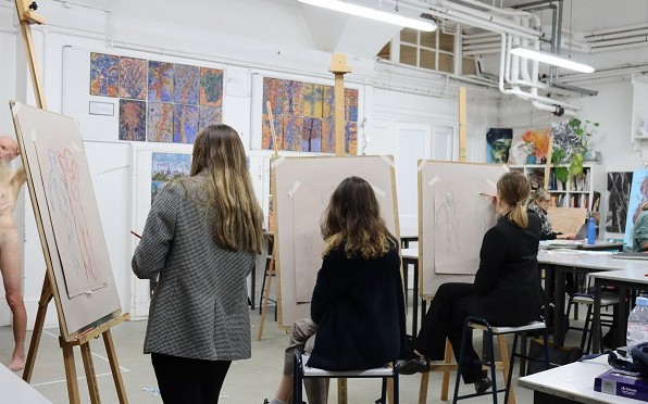 sixth form life drawing class