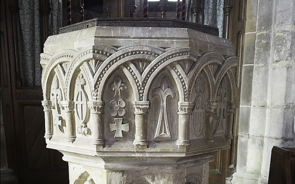 Font in which Isaac Newton was baptised.