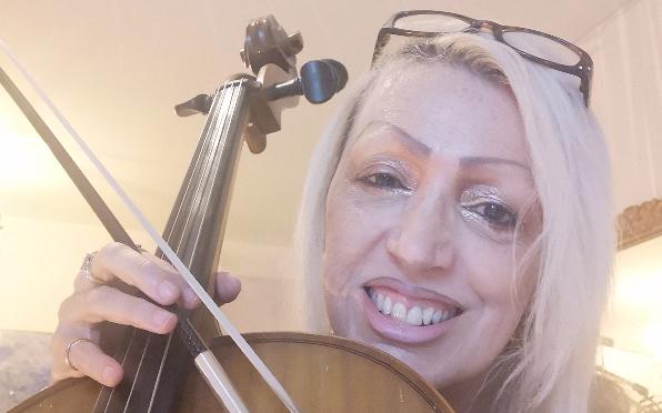 Cello, Carols and GIN!