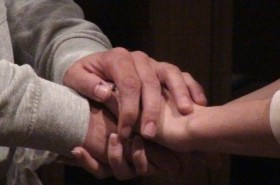 Holding hands, Phil Guest, CC BY-NC-ND 2.0