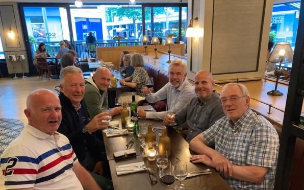 Winner winner chicken dinner - Mike, Mark, Jono, Peter, Bill & Tom