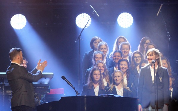 Seaford College Choir singing with Gary Barlow