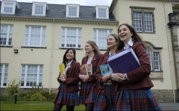 St George's School U6 girls