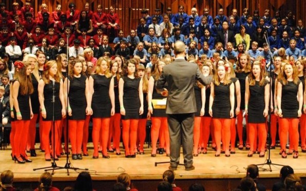 Motet singers move on to University