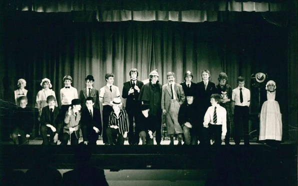 Cast of the unknown play