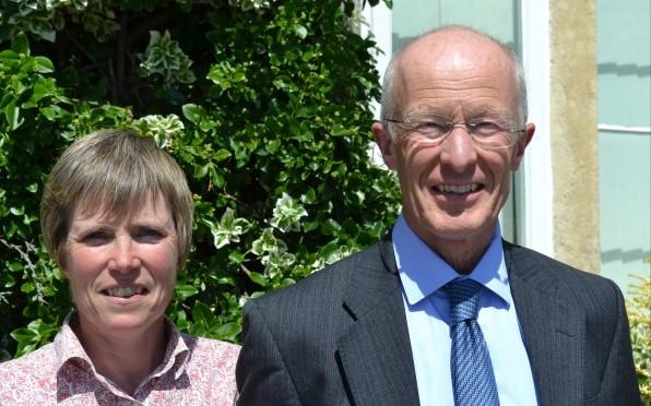 Charles Dawson (89-17S) and Emma Dawson (05-17S)