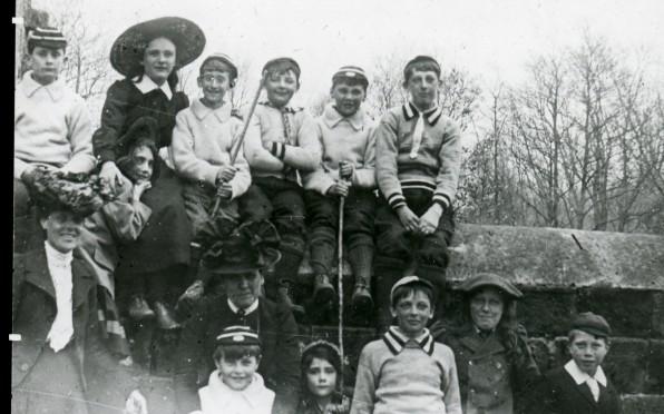1900's school group photo